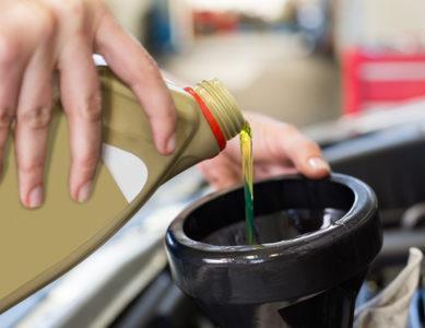 usługi wymiany oleju silnikowego na nowy przez firmę motopasja24